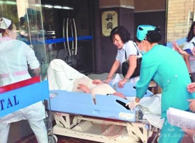 产妇赴医院路上出血量增加