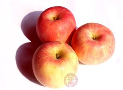 苹果里面有很多的维生素和苹果酸