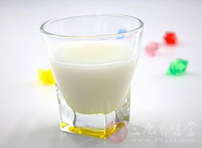 奶品中的钙与其他成分互相作用
