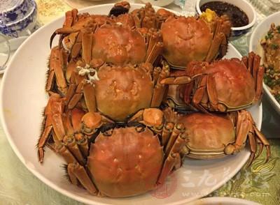 吃螃蟹能喝酸奶吗 乱吃螃蟹小心脾胃失调