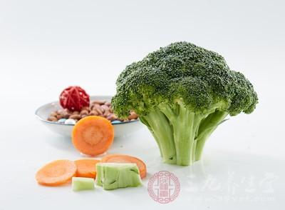 比如说西兰花、大白菜等等常见的蔬菜都是的