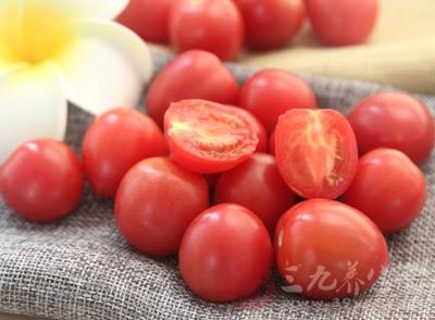 女人吃西红柿的好处 可以预防白内障