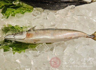 应该要注意避免在3-6个月类再次食用深海鱼