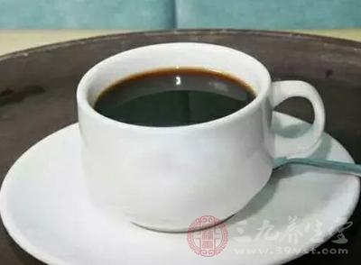 远离咖啡、饮酒、吸烟等