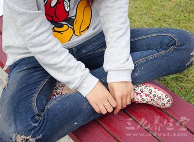 比如我们盘腿坐得太久,下肢气血不通,就会疼痛