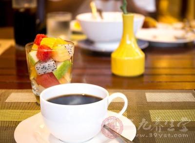 研究表明 喝咖啡有助于降低心脏发病隐患
