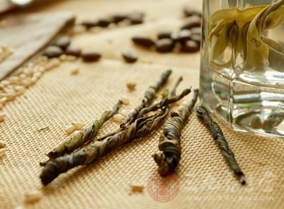 苦丁茶的功效 喝苦丁茶这8个功效养生效果好