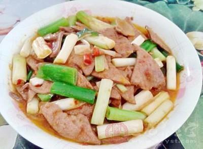 猪肝含有丰富的铁元素,是民间常见的补血食材