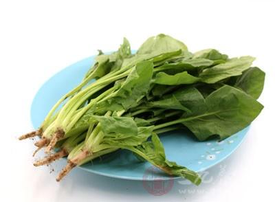 菠菜中铁元素的含量非常高
