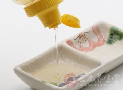 吃蜂蜜的好处 蜂蜜的营养价值高功效多
