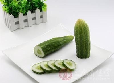 芹菜不能和什么一起吃 吃芹菜要注意什么