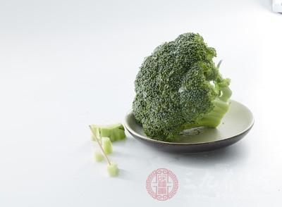 西兰花的营养价值 吃西兰花具有抗衰老作用