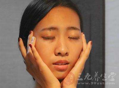 蒸脸器注意事项 蒸脸器的好处有哪些