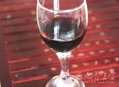 葡萄酒的功效与作用 葡萄酒需要这样喝