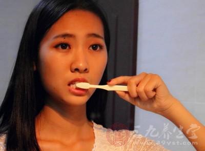 饭后3分钟是漱口、刷牙的佳时间