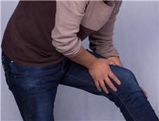 男子腿抽筋高清图片