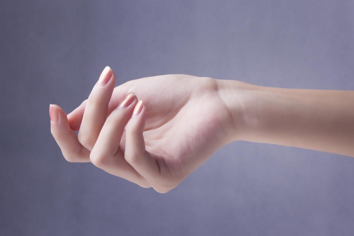健康美丽的纤纤细手