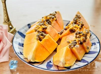 木瓜,因为它具有很好的养肝作用