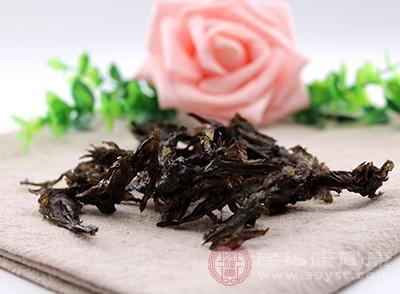 紫菜性味甘咸寒,具有化痰软坚、清热利水、补肾养心的功效
