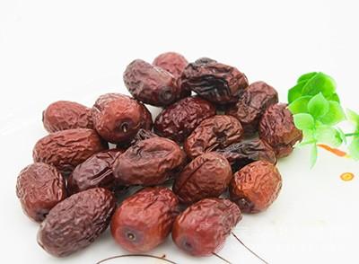 吃红枣有什么好处 红枣吃多了会怎么样
