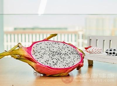 糖尿病孕妇如果摄入过多的火龙果则如果造成血糖升高,影响身体健康发育