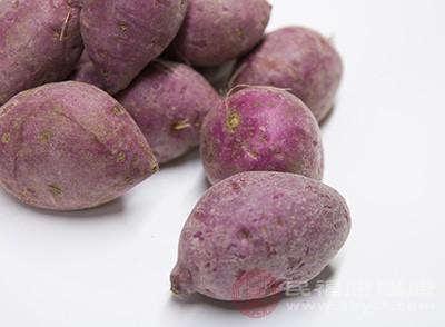 虽然红薯发芽后还能吃,但是如果表皮呈褐色或黑色斑点的话,则不建议吃
