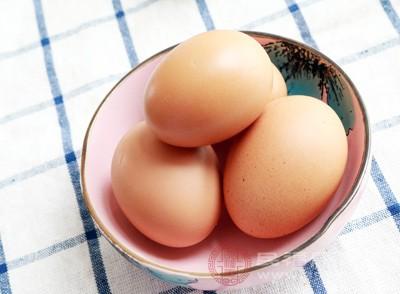 蛋黄的营养功效