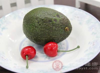 牛油果的禁忌 过敏人群别吃这个水果