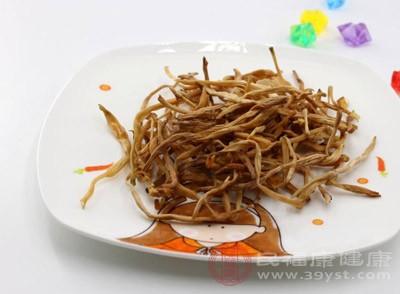 定期吃些黄花菜,以达到降肝火的目的