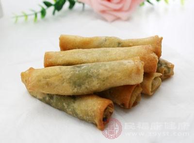 除春饼之外,春卷也是立春日人们常常食用的一种节庆美食
