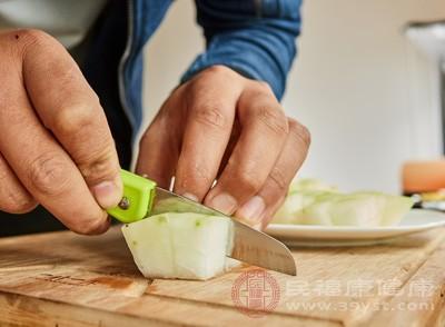 冬瓜排骨汤怎么做 这类人不能食用冬瓜