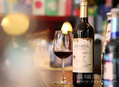 喝葡萄酒的好处 葡萄酒竟有这些好处