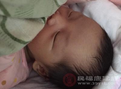宝宝发烧怎么办 这种情况会引起宝宝发烧