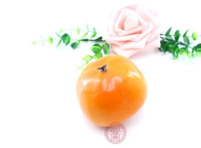 由于柿中所含糖分,大部分是可溶性糖,所以它的果肉甘甜如饴,汁浓如蜜