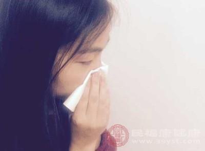 嗓子疼是什么原因 嗓子疼这样做有助缓解