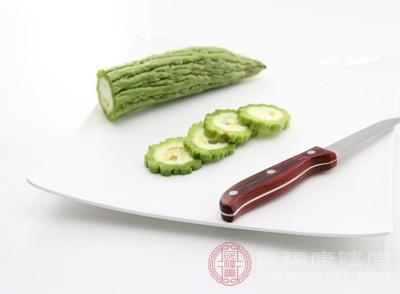 苦瓜的功效与作用 苦瓜这样食用可以降血糖