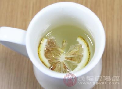 喝柠檬水有什么好处 切记柠檬水不能这样饮用