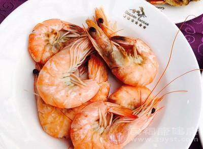 虾怎么做好吃 虾与它同食会中毒