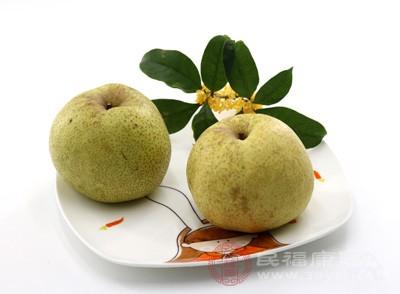 梨子具有润燥消风的功效,在春季气候干燥时,人们常感到皮肤瘙痒、口鼻干燥,有时干咳少痰,这时候吃些梨子可以得到很好的缓解,让人感觉特别舒服