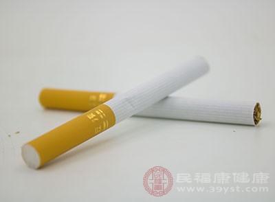 香烟燃烧产生的尼古丁、煤焦油、苯并芘等有毒的致癌物