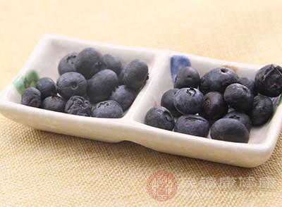 蓝莓的有效成分花青素能通过血管内皮细胞来刺激一氧化氮的合成