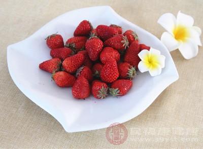 草莓的好处 常吃这种水果美容护肤效果好
