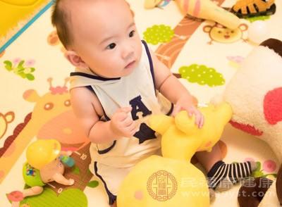 要是宝宝身上衣服不舒服,他们会敏感地闹起来