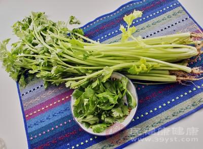 芹菜怎么做好吃 芹菜这样吃更美味