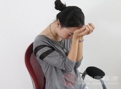 孕早期的晕眩,可能是因为贫血,但更多的可能是低血糖引起的