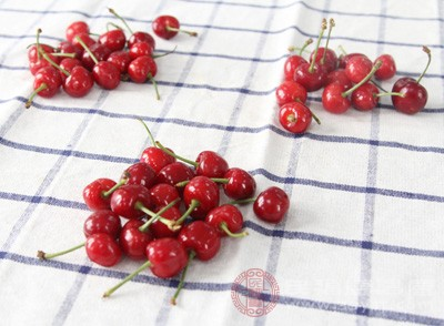樱桃的功效与作用 这样吃樱桃简单又好吃