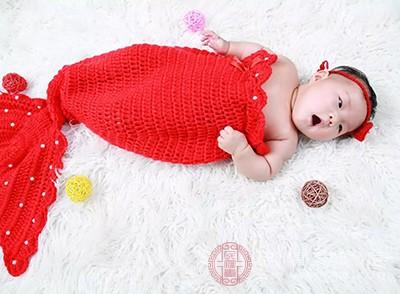 游泳后宝宝睡得更好,有利于建立有规律的睡眠