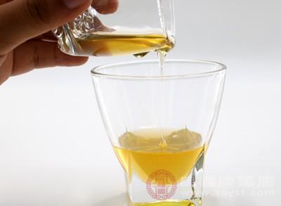 喝酒后头疼怎么办 酒后头疼记得吃它