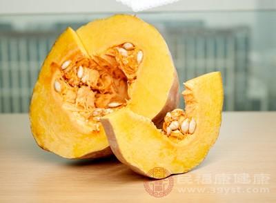 小米南瓜粥的做法 女人吃它可以通便美容