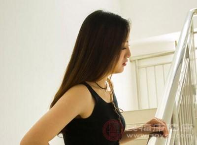 腰肌劳损或扭伤引起局部瘀血以及气血运行不畅而导致血瘀性腰痛